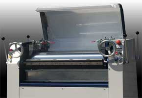 Adjustable Roll Mill - Front Controls with lid open