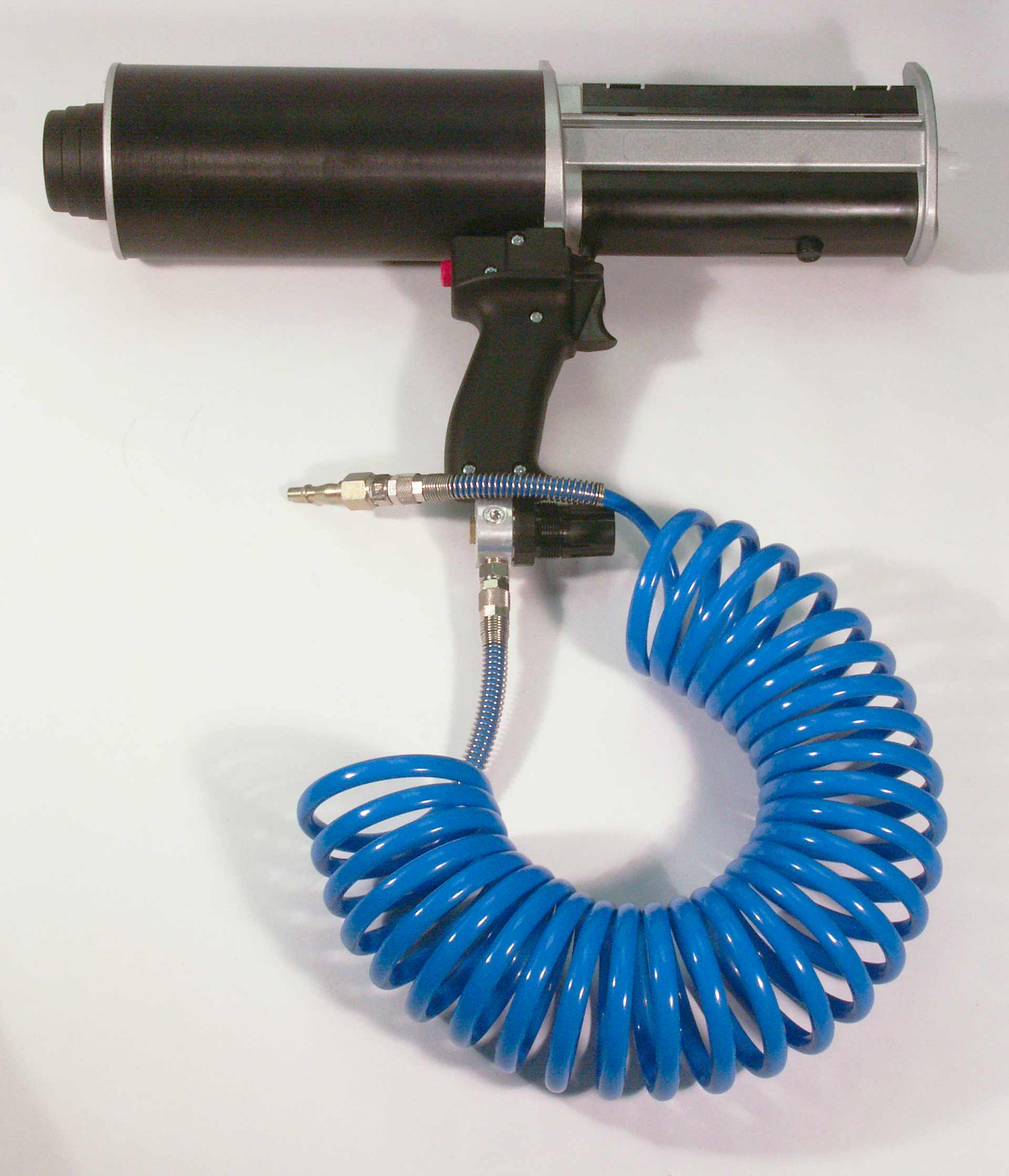 DP400 Pneumatic Dispensing Gun with the airline attached